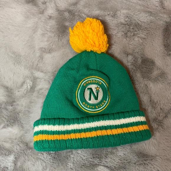 🌻2/$18🌻 Minnesota North Stars winter hat